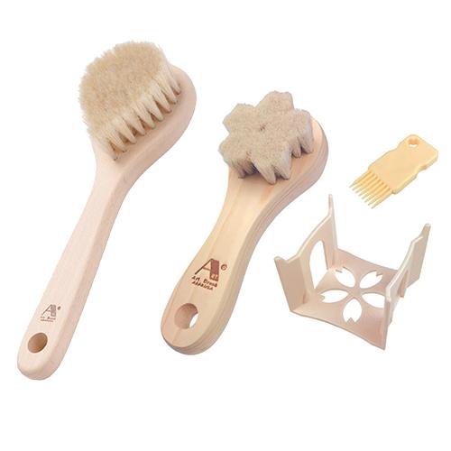 アートブラシ社 白馬毛のボディブラシ しずく + 山羊毛の洗顔ブラシ さくら(スタンド付) GTO-ART1